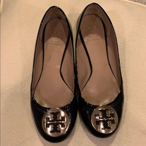Tory Burch Reva Ballet navy blue with gold logo
